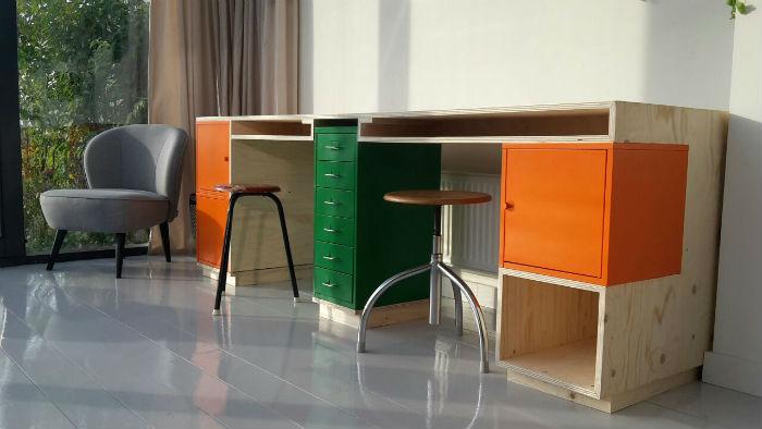 hack je werkplek een origineel bureau van meubelmaker Adriaan ii.s.m. lab03 in Westzaan