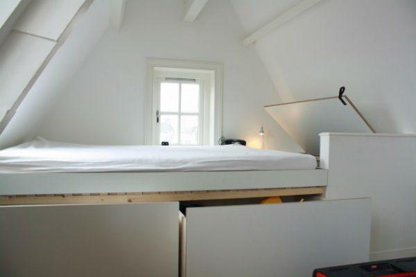 deze op maat gemaakte slaapkamer realiseerde meubelmaker Adriaan in Asmterdam